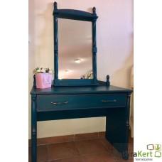 Fésülködő asztal és tükör